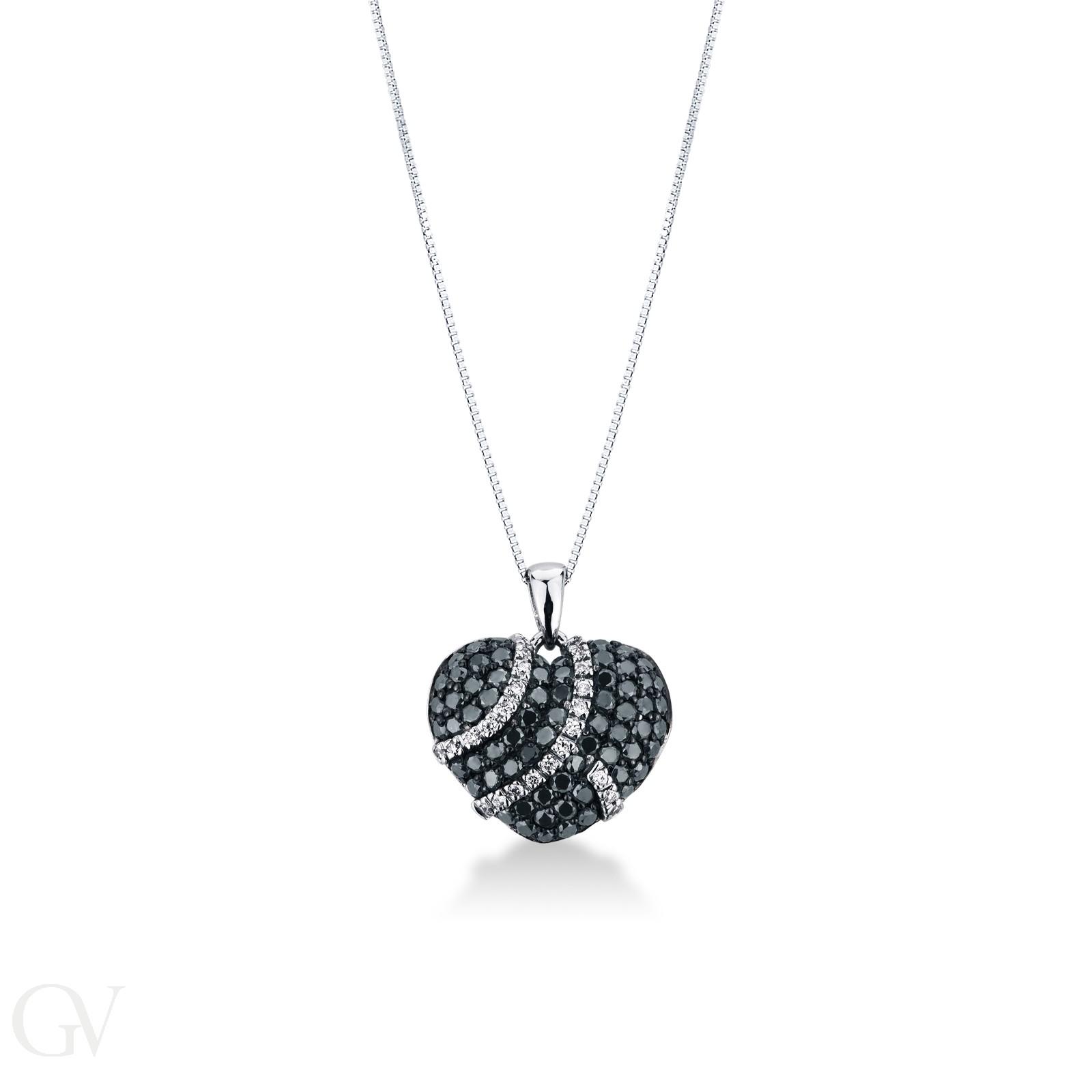 Collana con cuore in pavé di diamanti neri e bianchi.