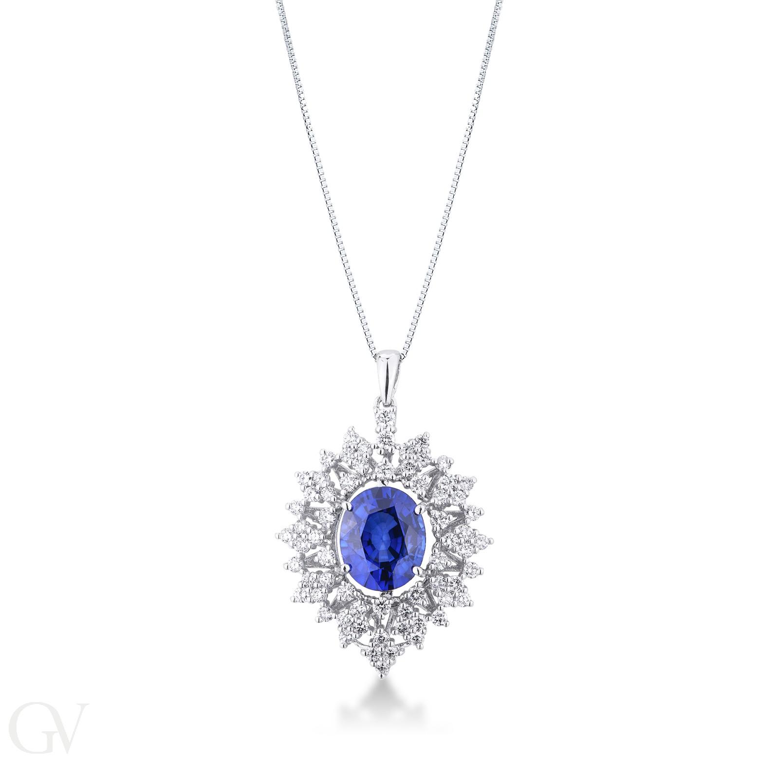 Collana in oro bianco 18k con zaffiro blu e contorno di diamanti.