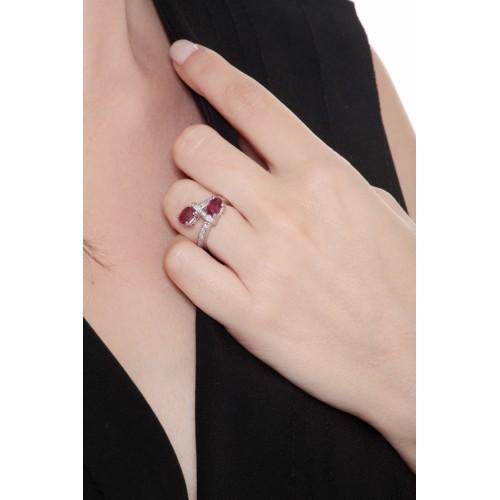 Anello contrariè in oro bianco 18k con rubini e diamanti