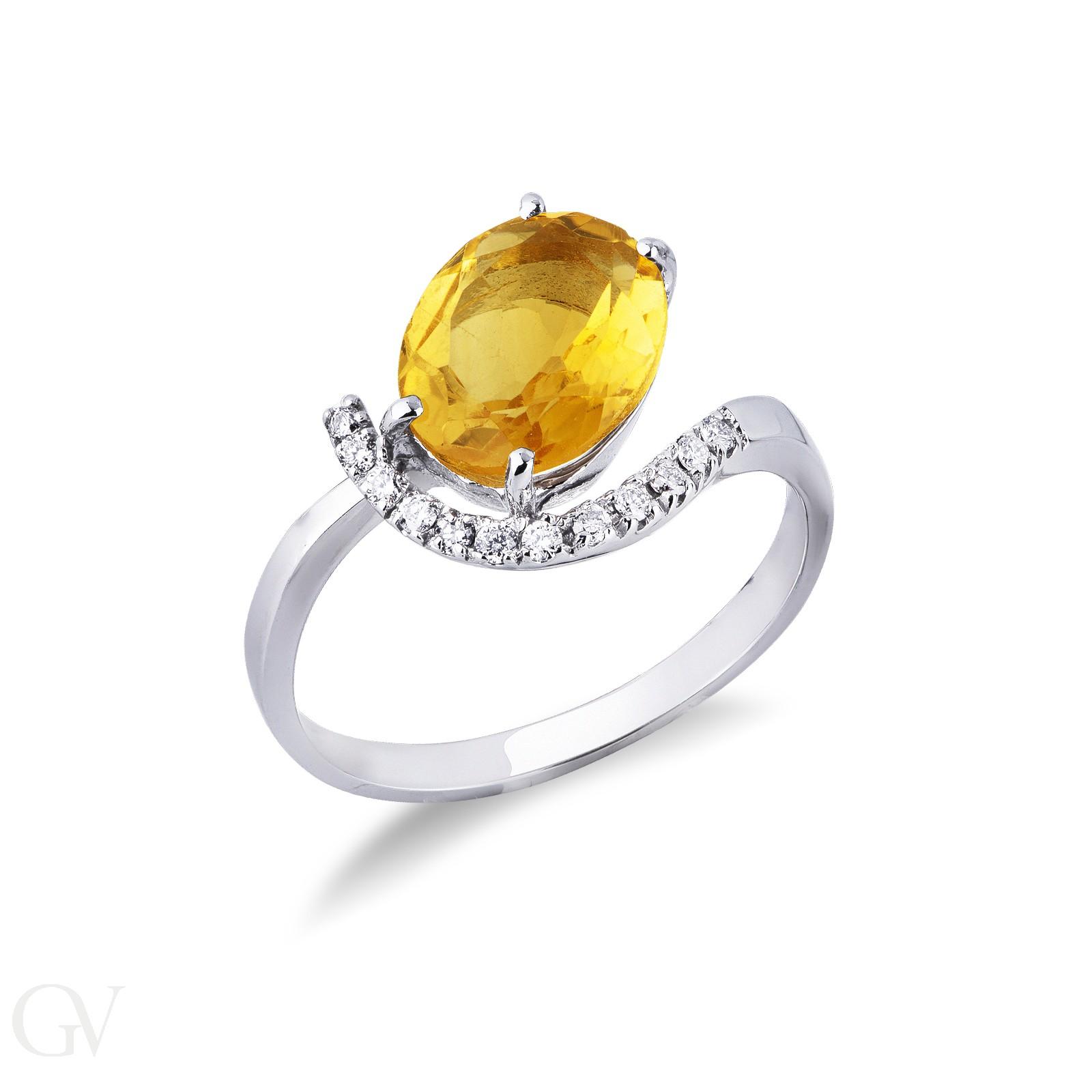Anello in oro bianco 18k con topazio Citrino e Diamanti.
