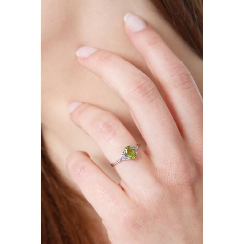 Anello in oro bianco 18k con Peridoto e diamanti