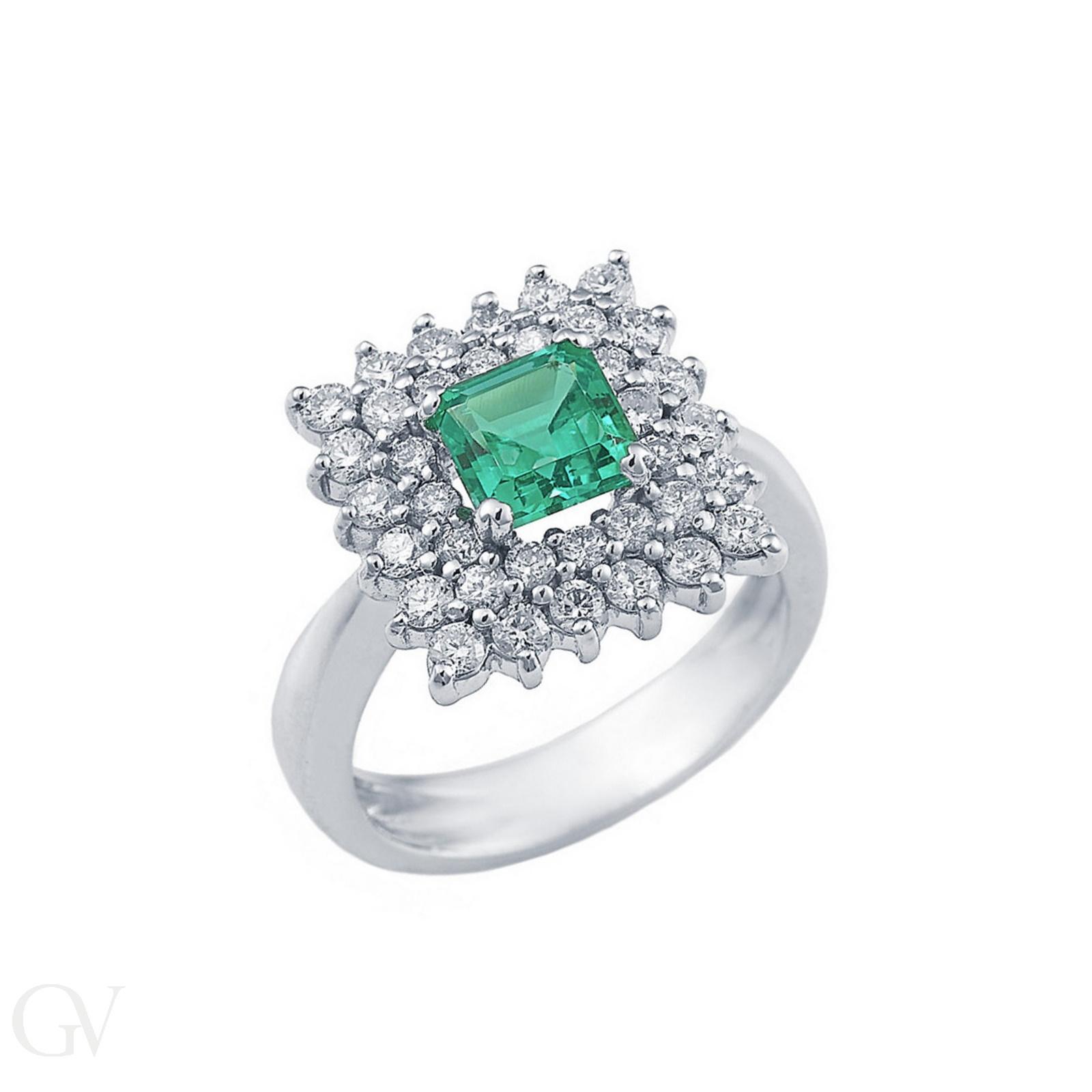 Anello in oro bianco 18k con Smeraldi e doppio contorno in Diamanti