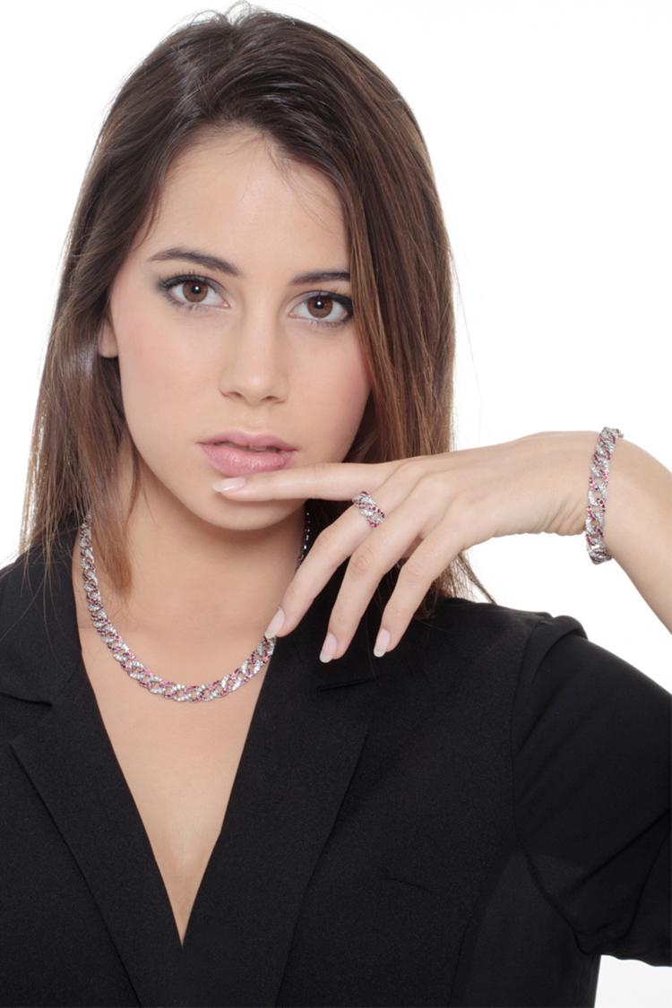 indossato-collezione-parure-rubini-brillanti-gioielli-di-valenza