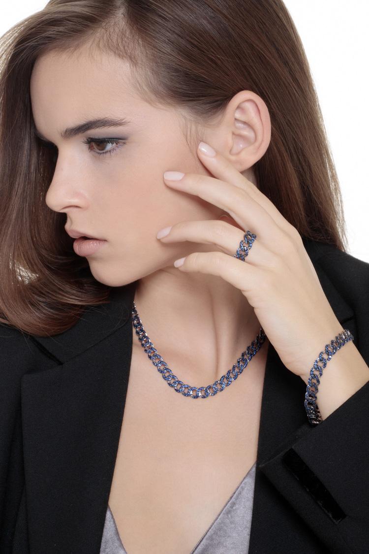 parure-groumette-zaffiri-blu-indossato-1-gioielli-di-valenza